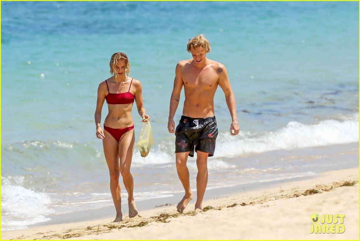 cody simpson hits the beach with girlfriend clair wuestenberg 46