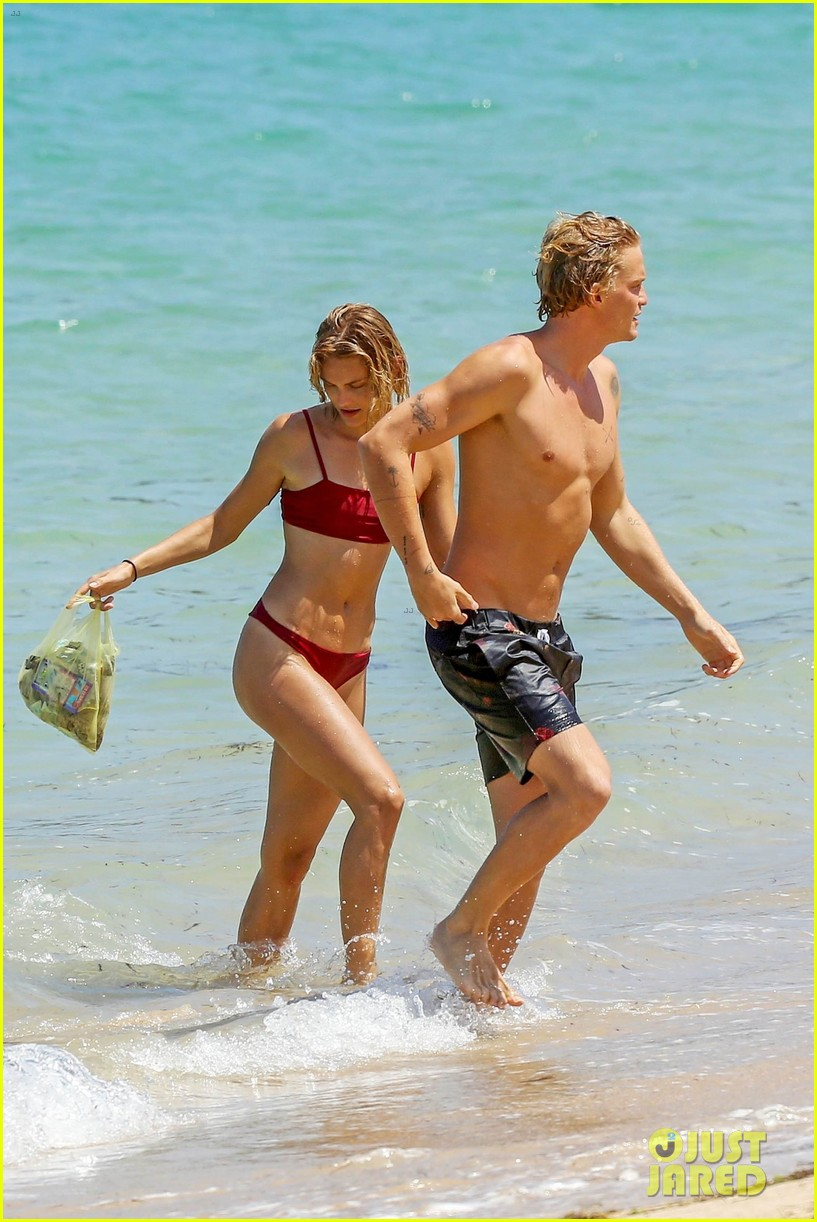 cody simpson hits the beach with girlfriend clair wuestenberg 53
