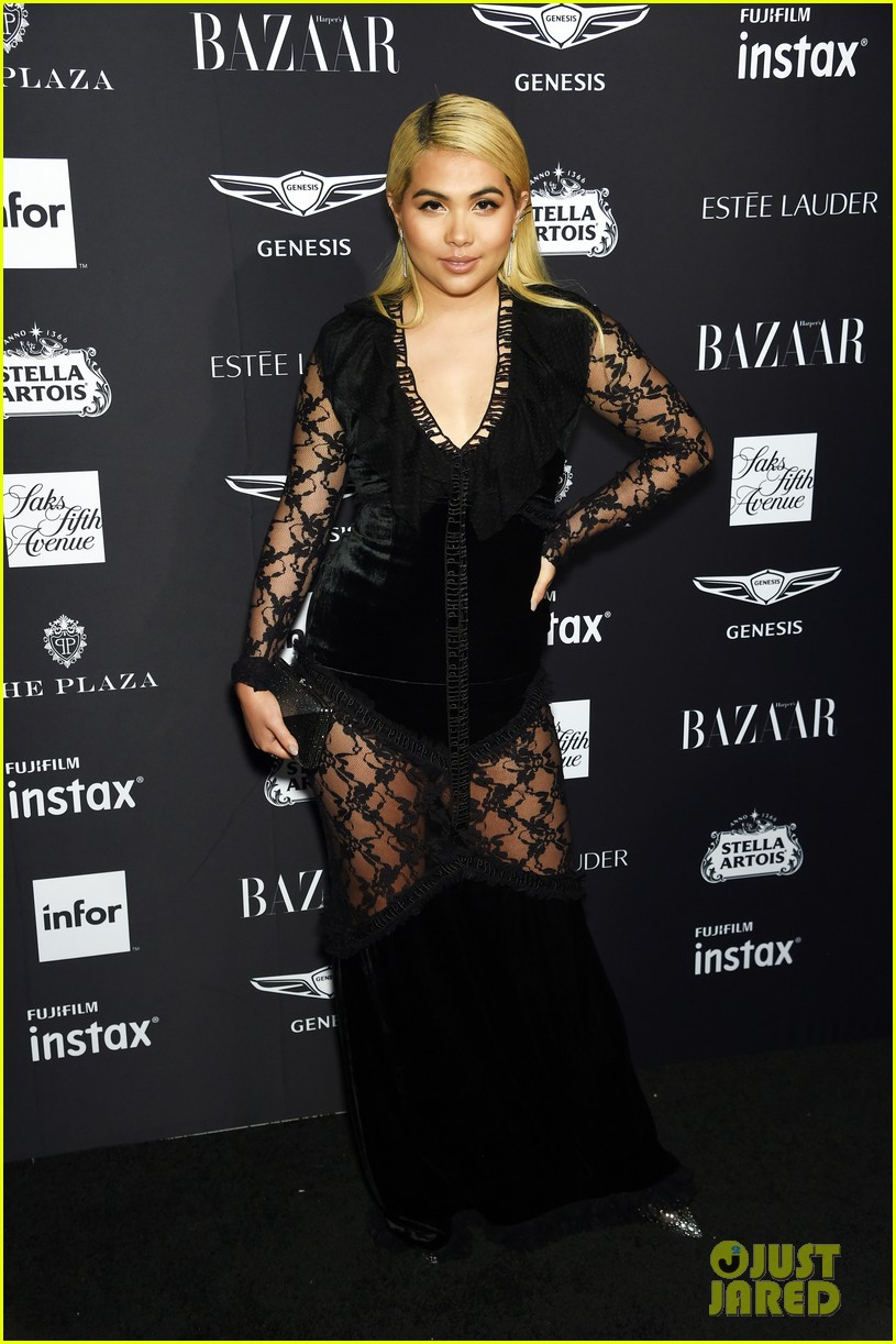 kaia and presley gerber join hayley kiyoko and more stars at harpers bazaar icons party 08