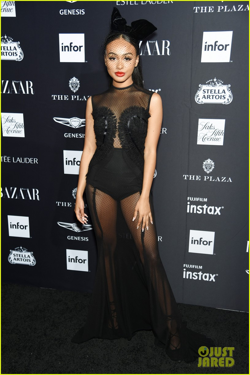 kaia and presley gerber join hayley kiyoko and more stars at harpers bazaar icons party 09