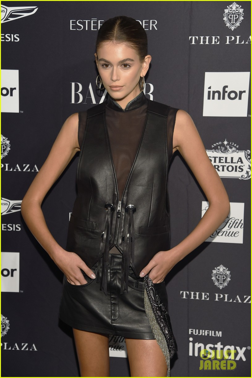 kaia and presley gerber join hayley kiyoko and more stars at harpers bazaar icons party 20