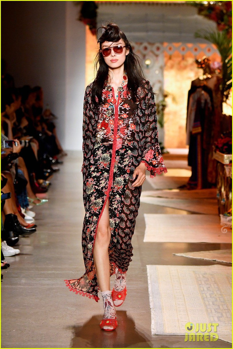 gigi hadid bella hadid and kaia gerber look fab in floral for anna suis nyfw show 13