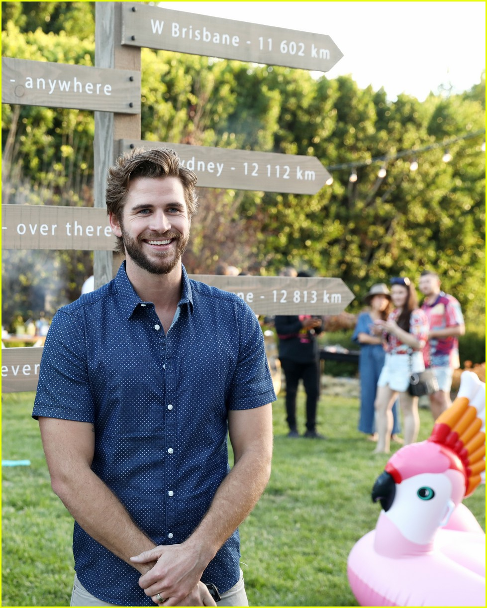 liam hemsworth is all smiles at w brisbanes australian themed party in la03