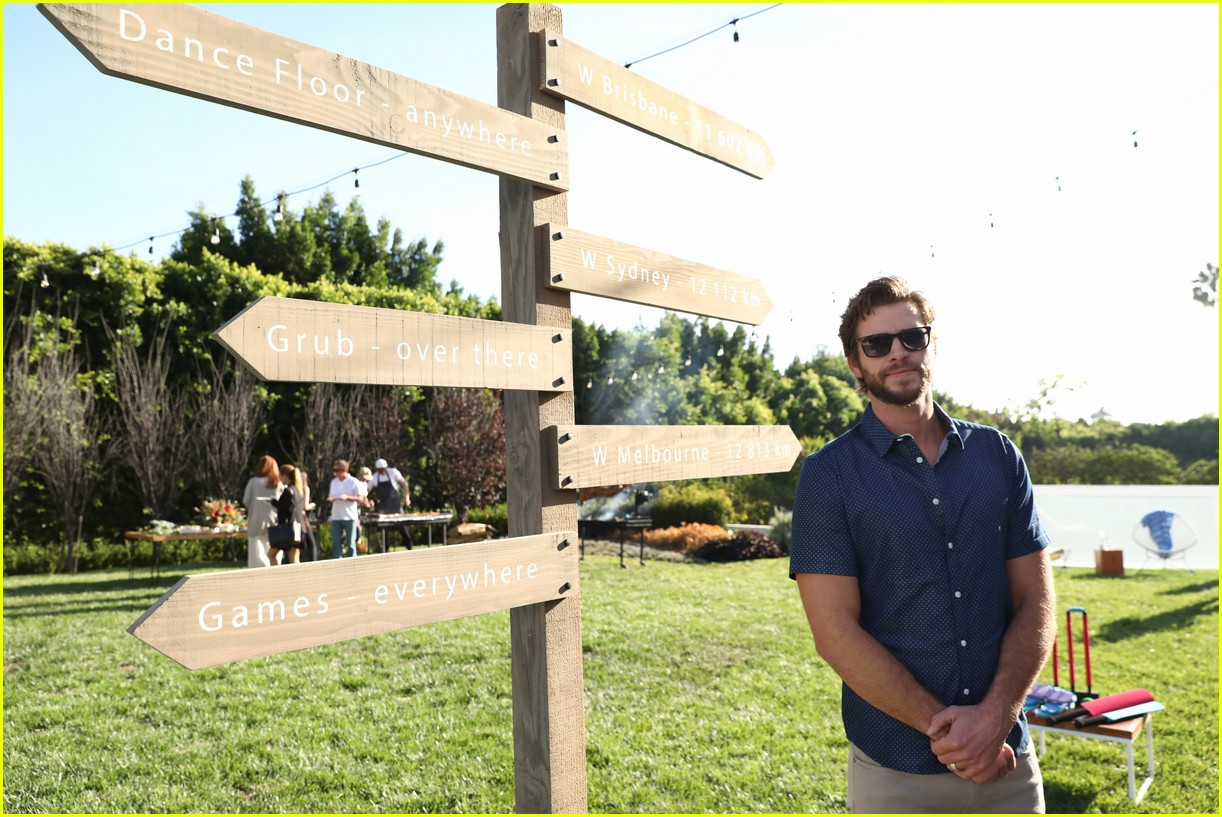 liam hemsworth is all smiles at w brisbanes australian themed party in la06