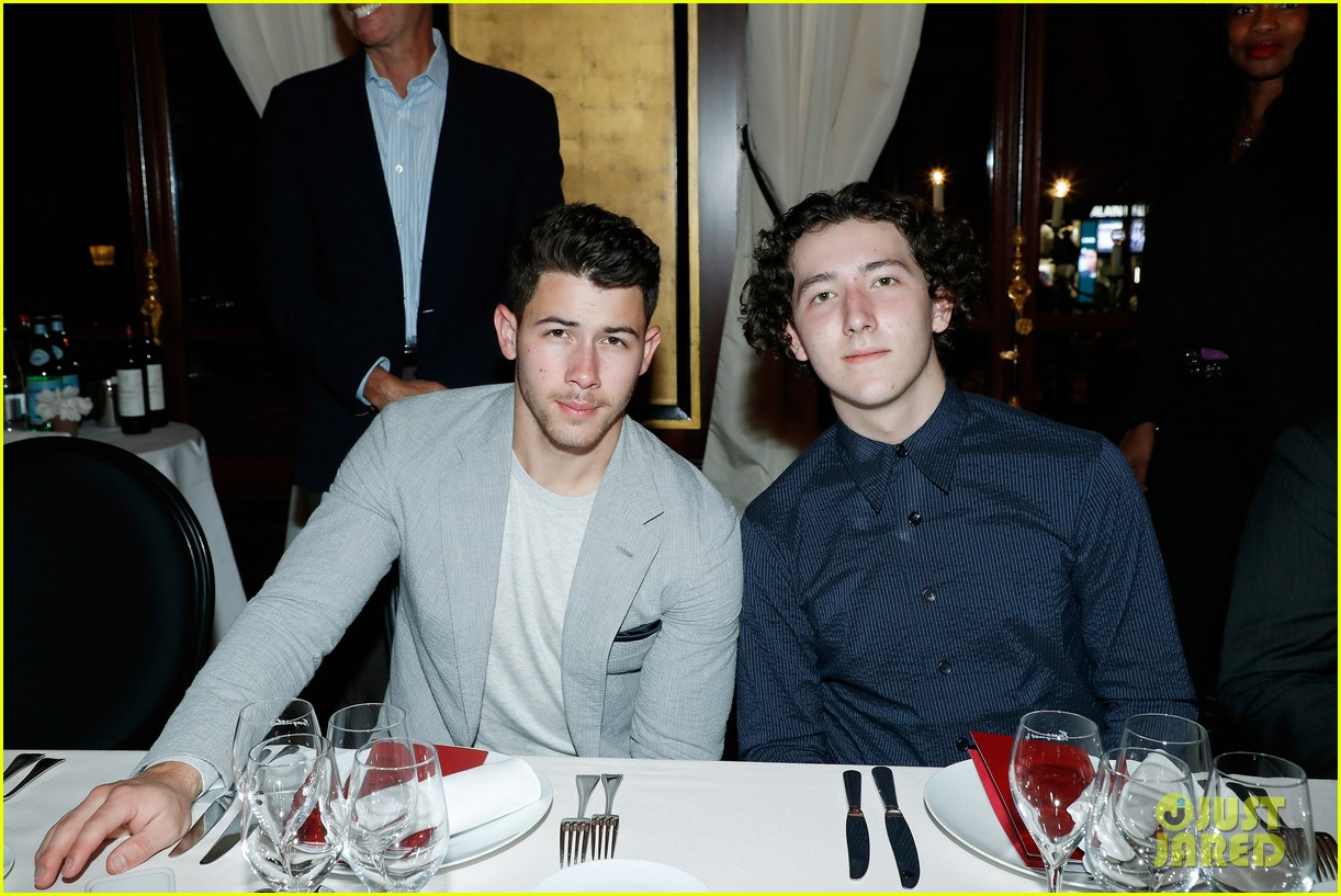 nick jonas and little brother frankie team up for ryder cup dinner in paris 07