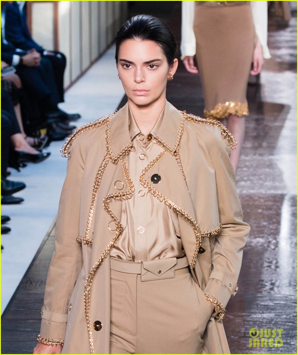 Kendall Jenner Walks Burberry 39 S Runway During London Fashion Week Photo 1186219 Photo