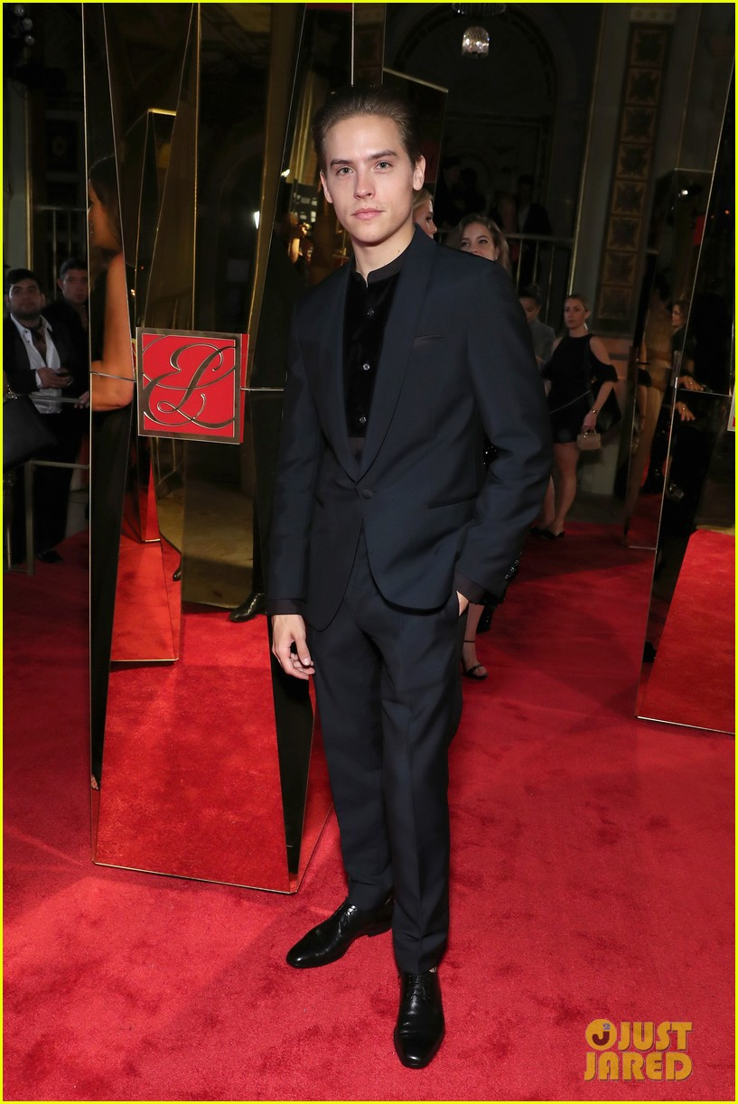 dylan sprouse and barbara palvin are way too cute at harpers bazaar icons event 09