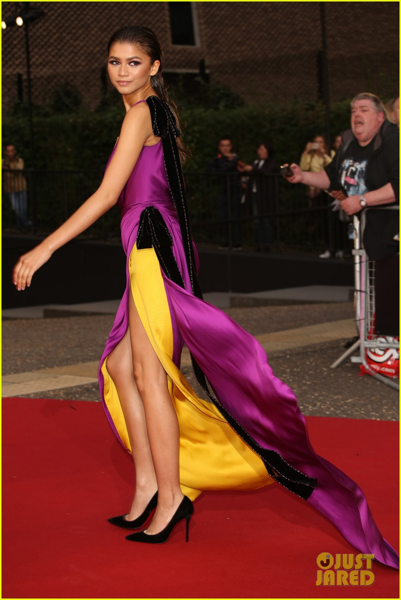 Zendaya Wows in Purple   Yellow Gown at GQ Men of the Year Awards ... ee83b9b4a