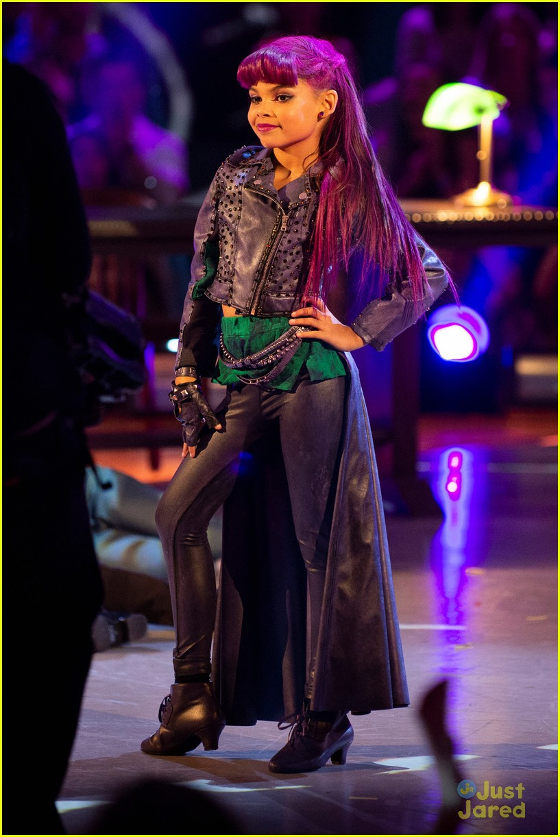 ariana greenblatt halloween night dwtsjrs 01