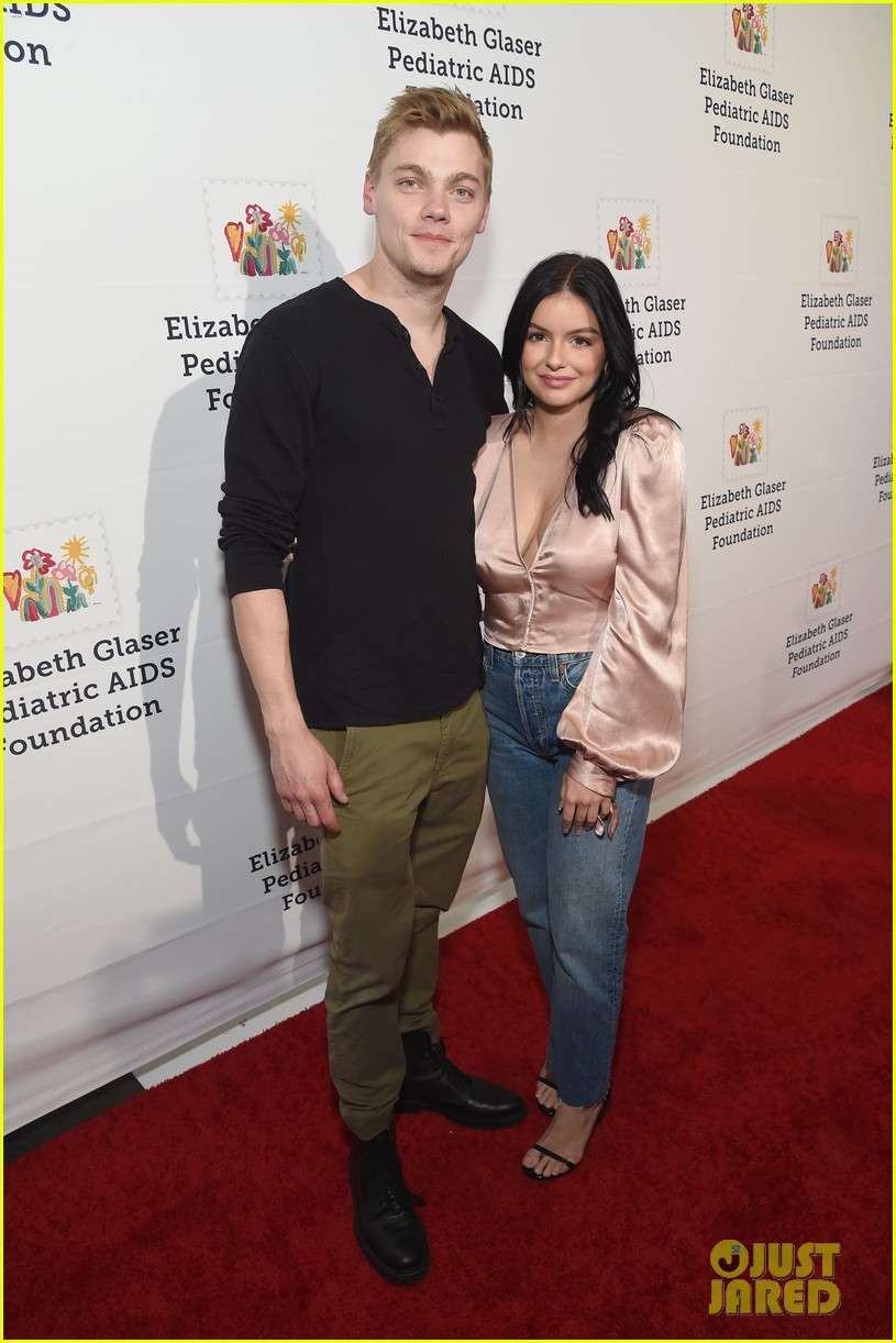 ariel winter levi meaden couple up for a time for heros festival 34