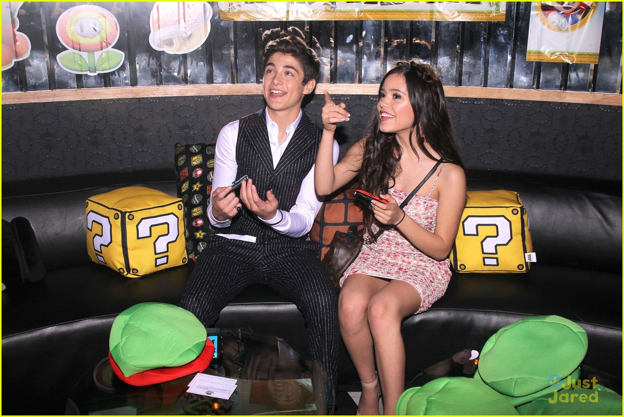 asher angel 16 bday nintendo party pics 02