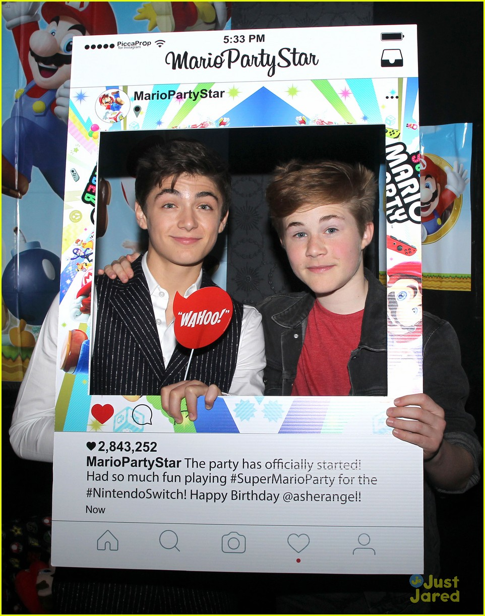 asher angel 16 bday nintendo party pics 06