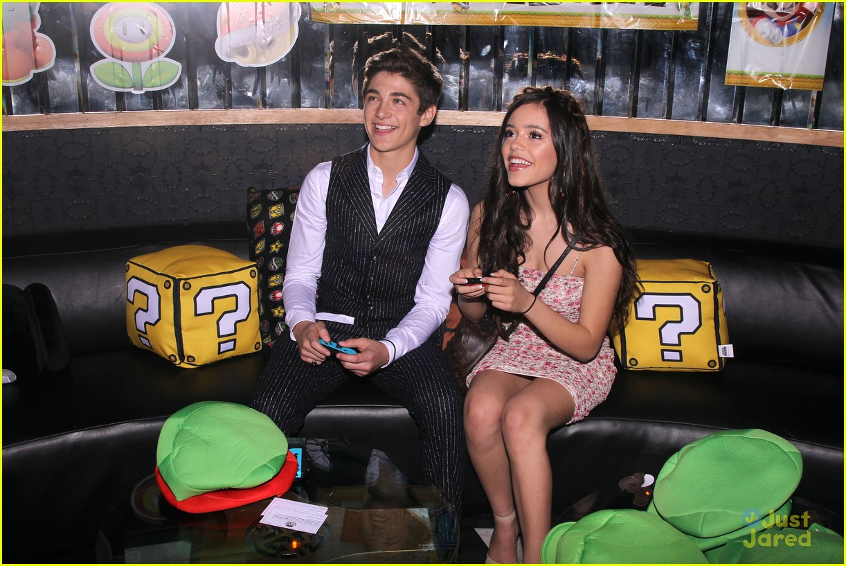 asher angel 16 bday nintendo party pics 08