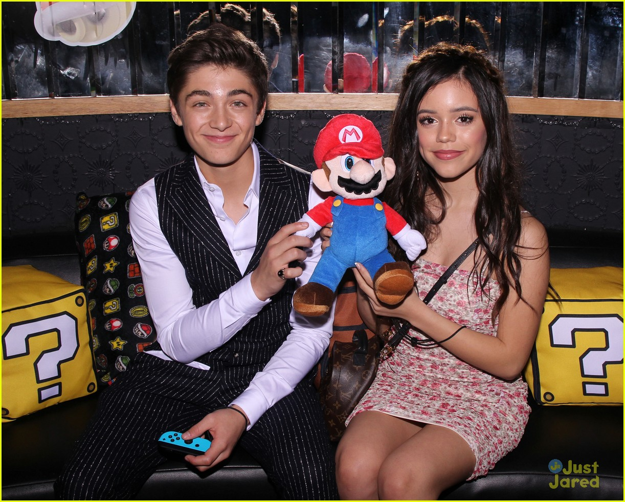 asher angel 16 bday nintendo party pics 10