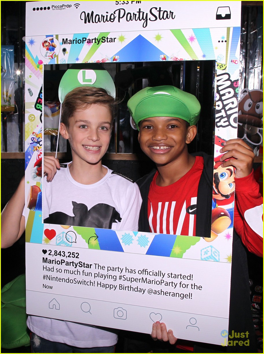 asher angel 16 bday nintendo party pics 15