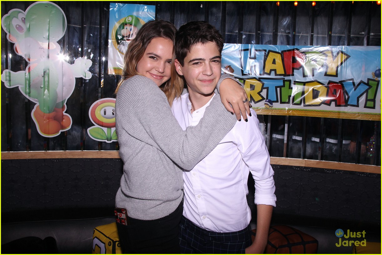 asher angel 16 bday nintendo party pics 16