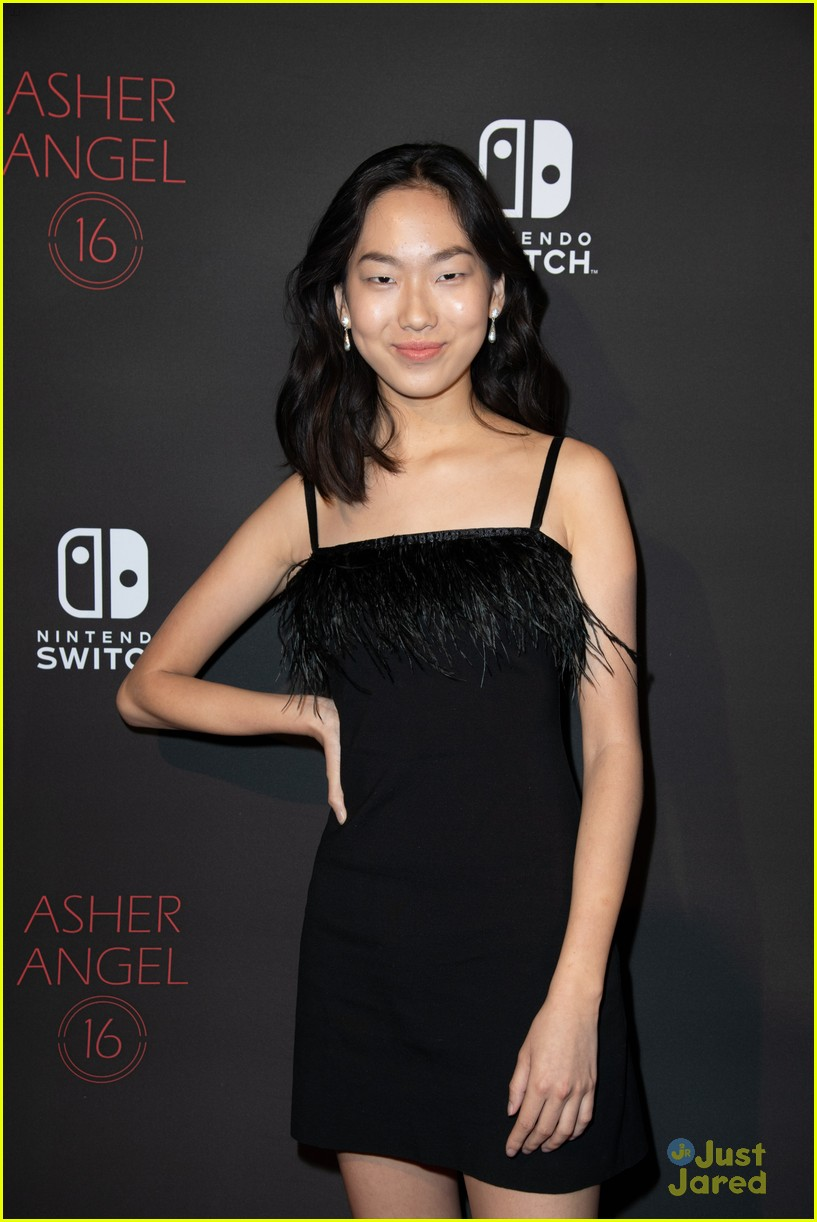 asher angel 16 bday nintendo party pics 21