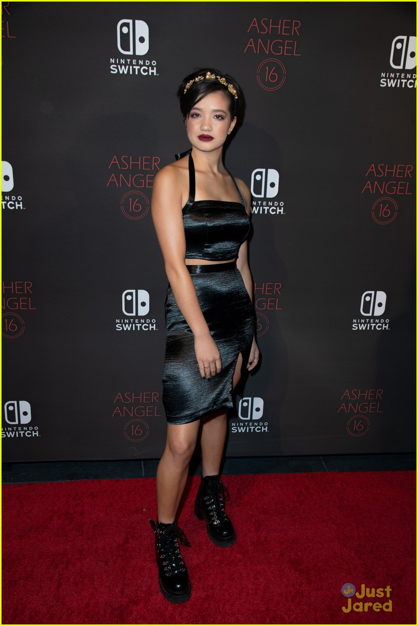 asher angel 16 bday nintendo party pics 59