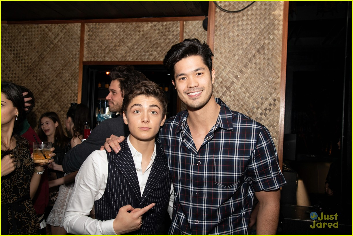asher angel 16 bday nintendo party pics 77
