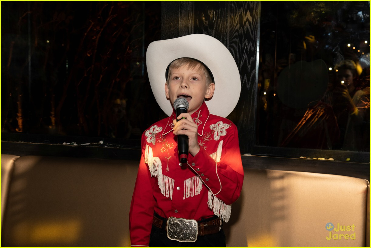 asher angel 16 bday nintendo party pics 80