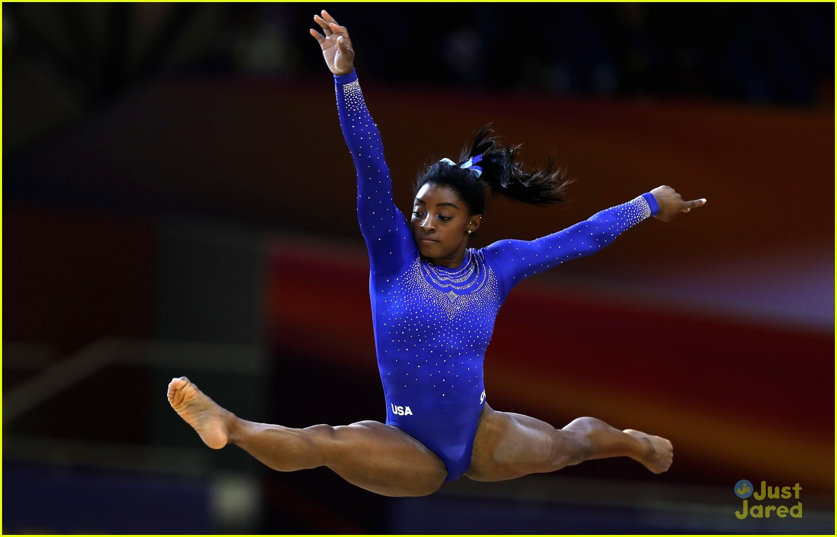 simone biles competes with kidney stone world championships 02