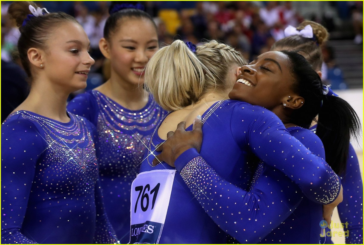simone biles competes with kidney stone world championships 03