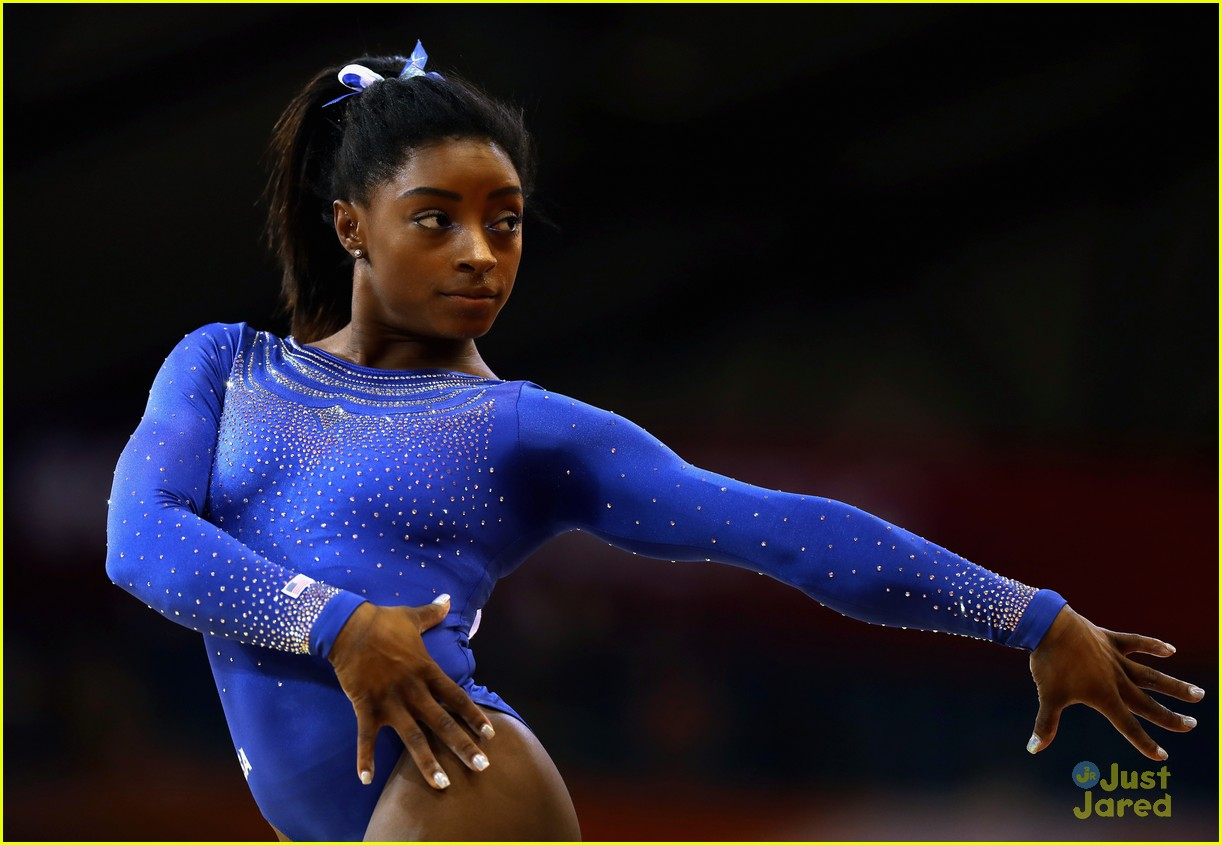 simone biles competes with kidney stone world championships 05