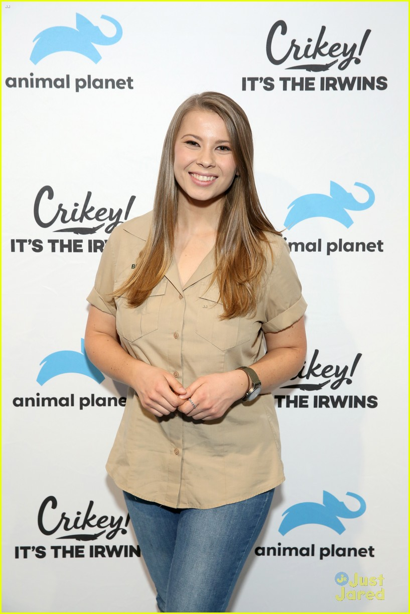 bindi irwin addresses engagement rumors 04