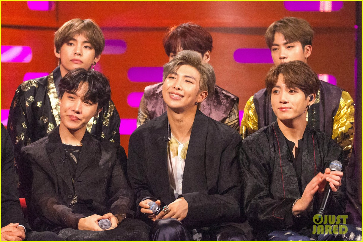 bts visit graham norton show as they announce burn the stage movie03