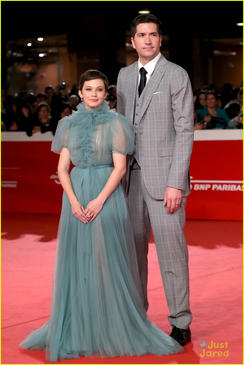 cailee spaeny blue valentino gown rome 20