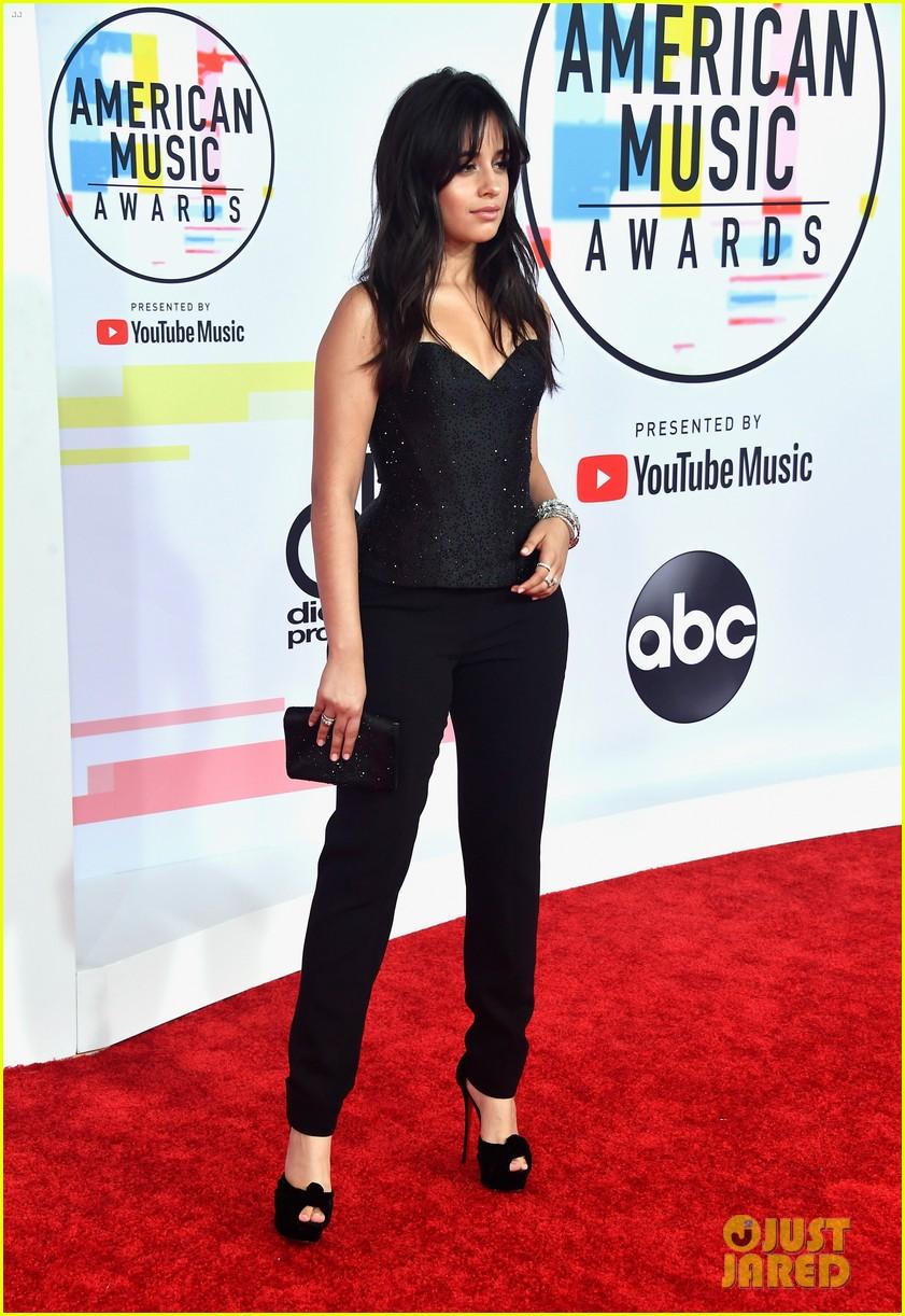 Camila Cabello Black Amas 02 Demi Lovato Ama Performance