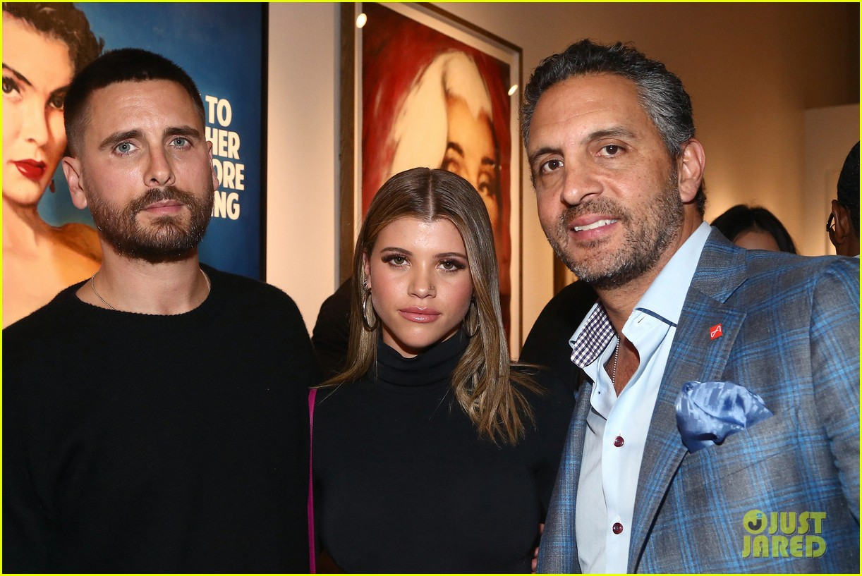 scott disick and sofia richie have date night at maddox gallery grand opening04