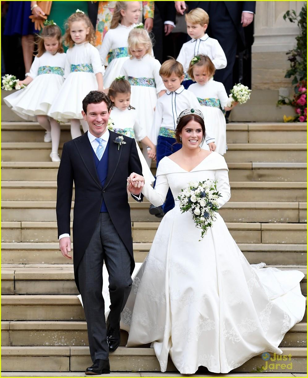 princess eugenie jack brooksbank royal wedding photos 01