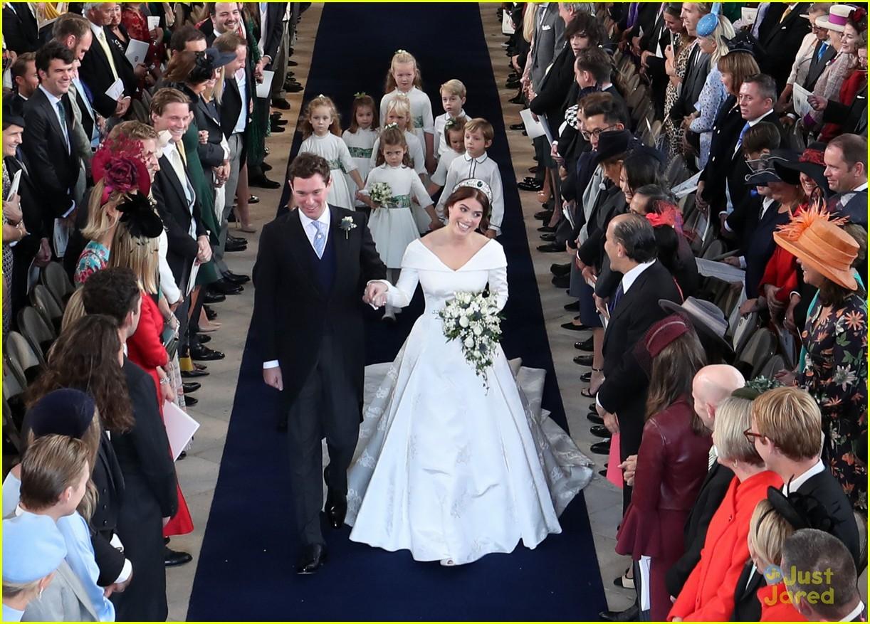 princess eugenie jack brooksbank royal wedding photos 08