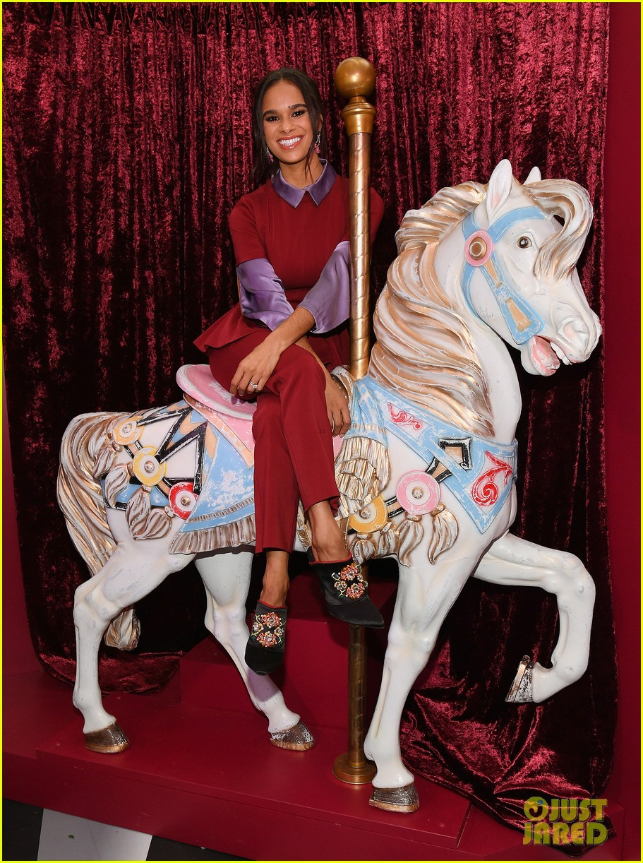 mackenzie foy and misty copeland journey into nutcracker and the four realms at nyc pop up09