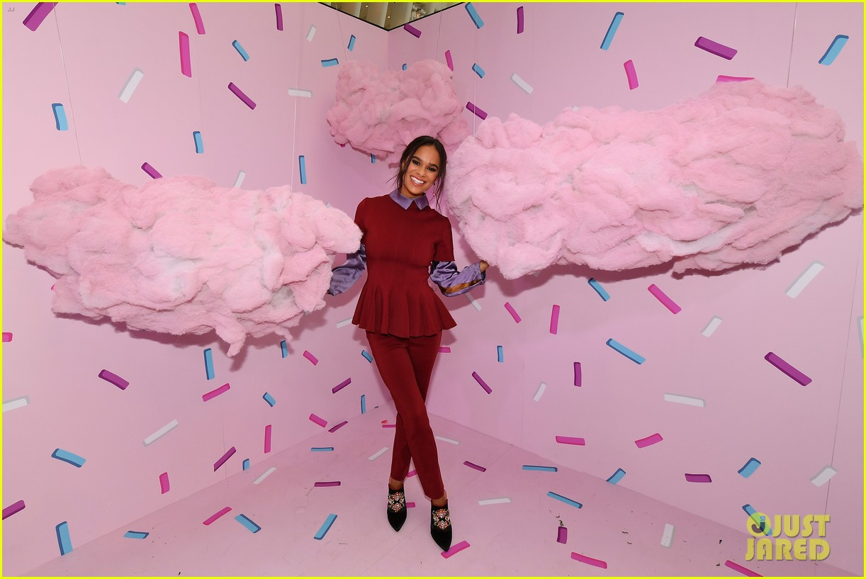 mackenzie foy and misty copeland journey into nutcracker and the four realms at nyc pop up12