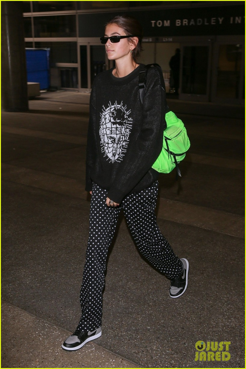 kaia gerber honors hellraiser while landing in la after paris fashion week03