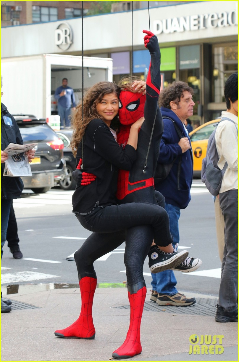 tom holland dons spider man far from home costume while filming with zendaya in nyc203
