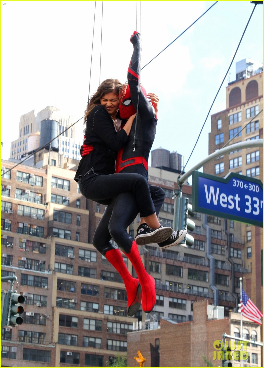 tom holland dons spider man far from home costume while filming with zendaya in nyc204