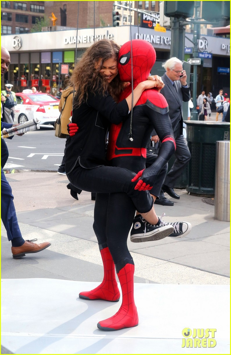 tom holland dons spider man far from home costume while filming with zendaya in nyc205