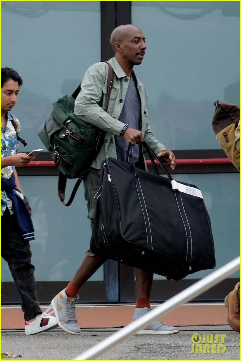 tom holland zendaya load up luggage 12