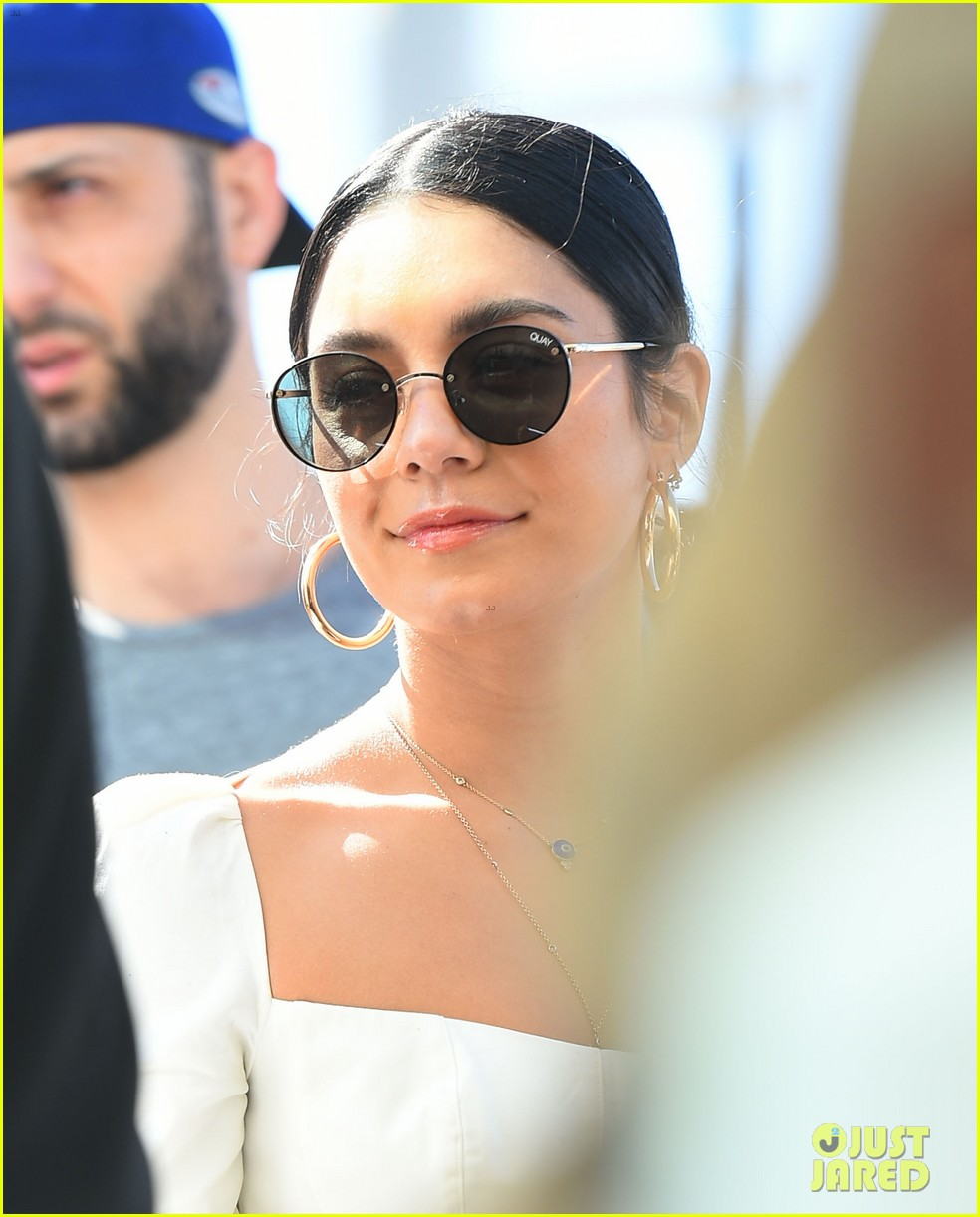 vanessa hudgens dons halloween inspired outfit ahead of farmers market trip08