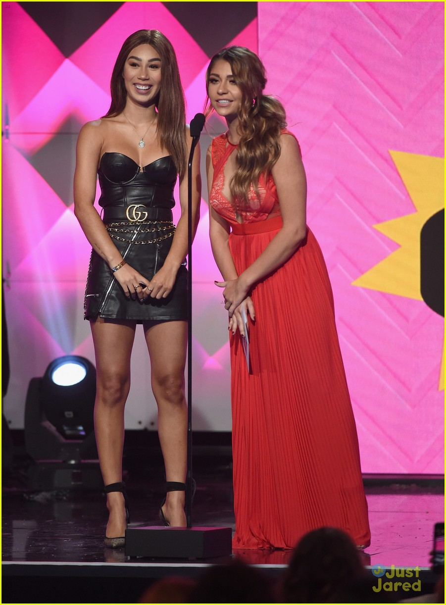 liza koshy laura marano more streamy awards 2018 12