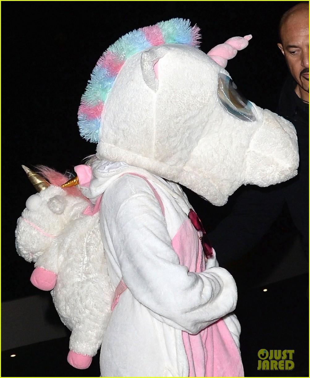 nina dobrev dresses as unicorn for kate hudsons halloween party 04