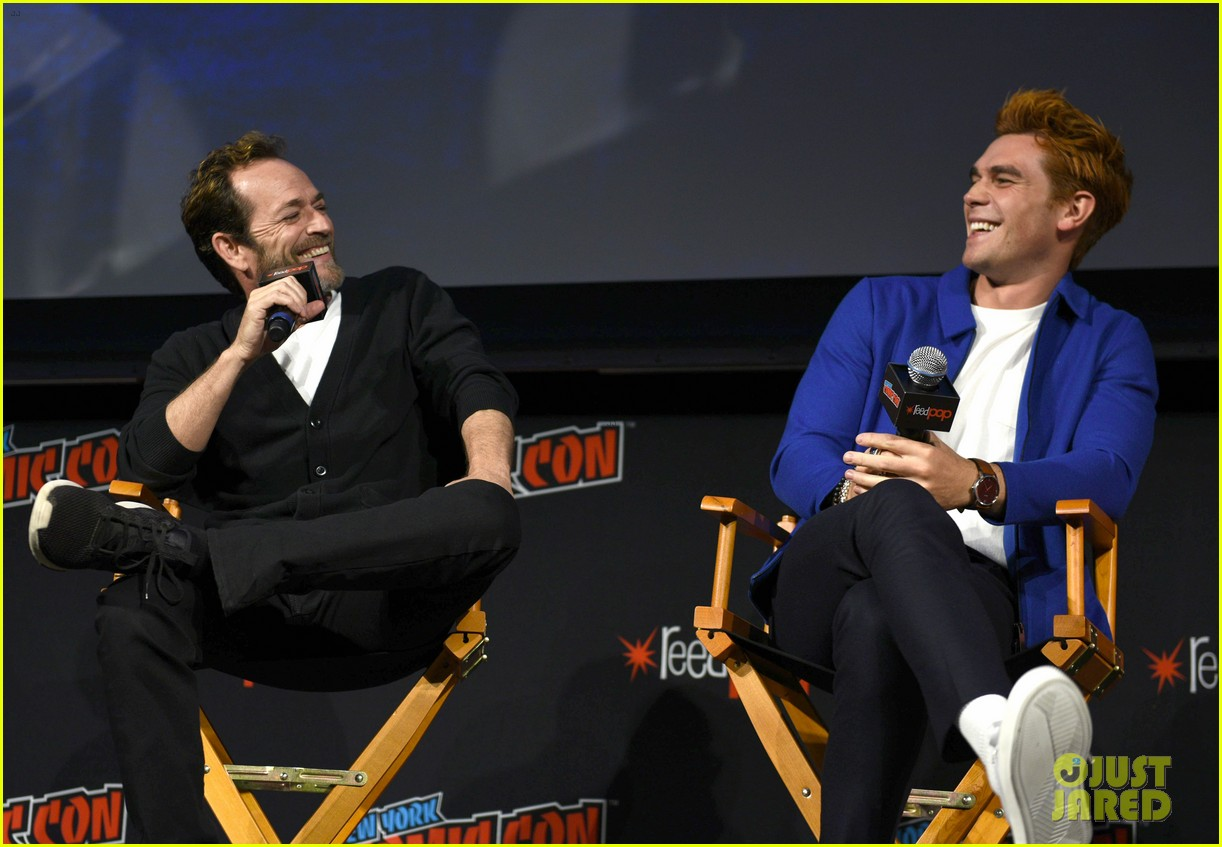 riverdale announces two new cast members at new york comic con 01