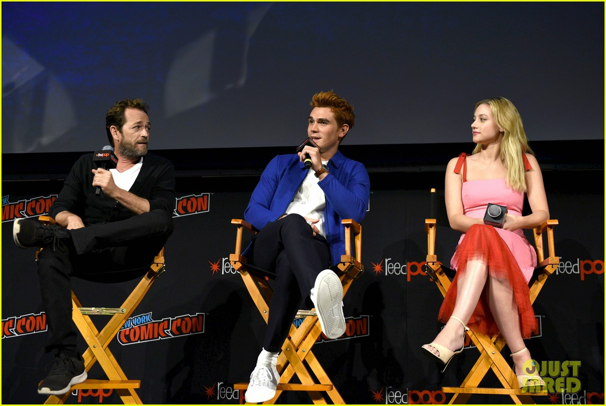 riverdale announces two new cast members at new york comic con 06