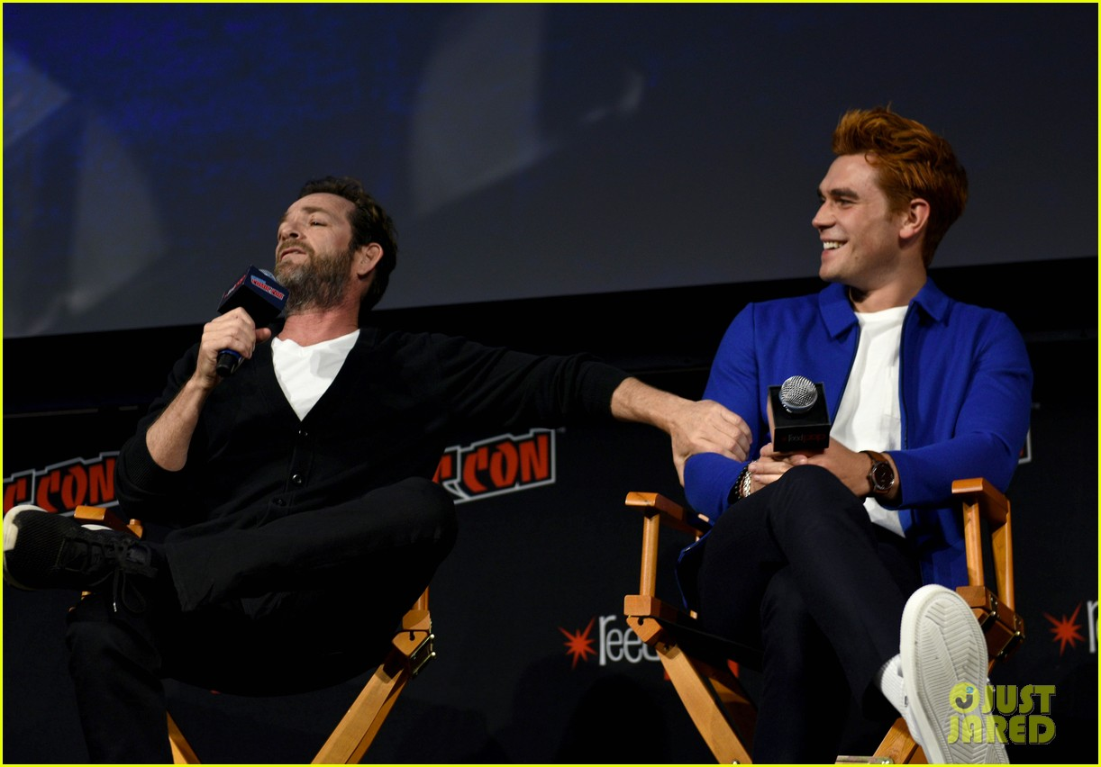 riverdale announces two new cast members at new york comic con 07
