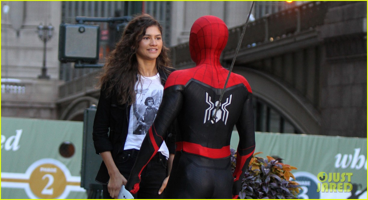 tom holland zendaya nyc grand central spider man 07