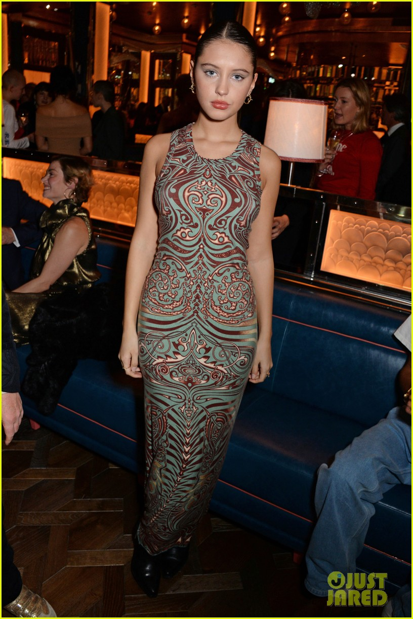 brooklyn beckham iris law brasserie event 13