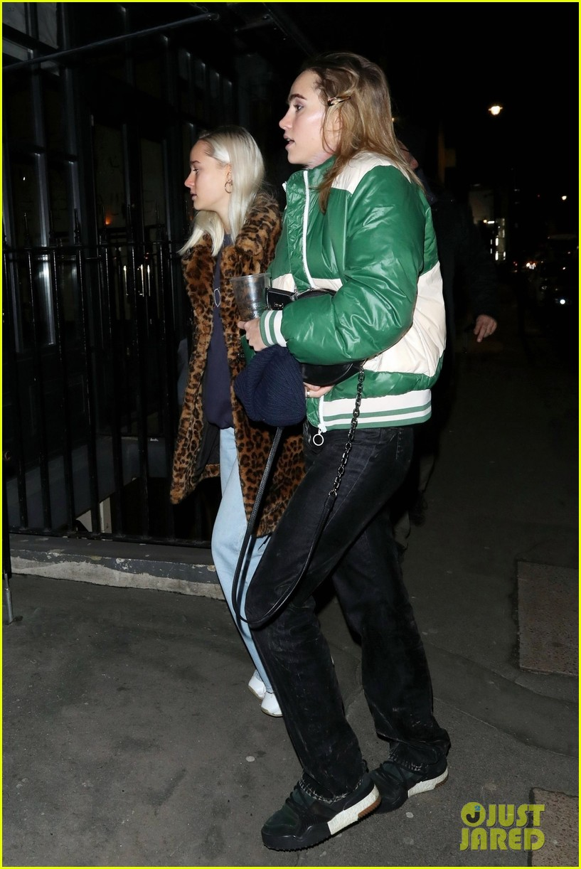 ashley benson cara delevingne thanksgiving in london 30